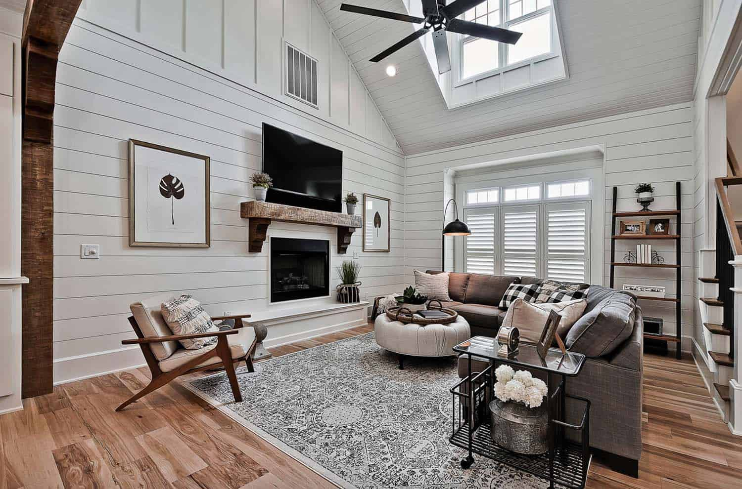 Welcoming craftsman style home with farmhouse touches in ... on