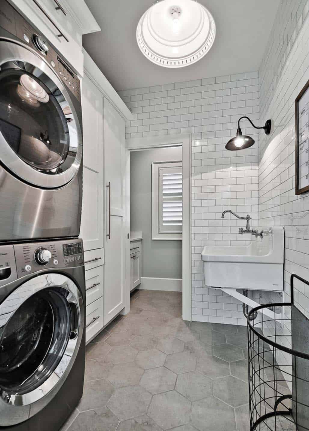 craftsman-laundry-room