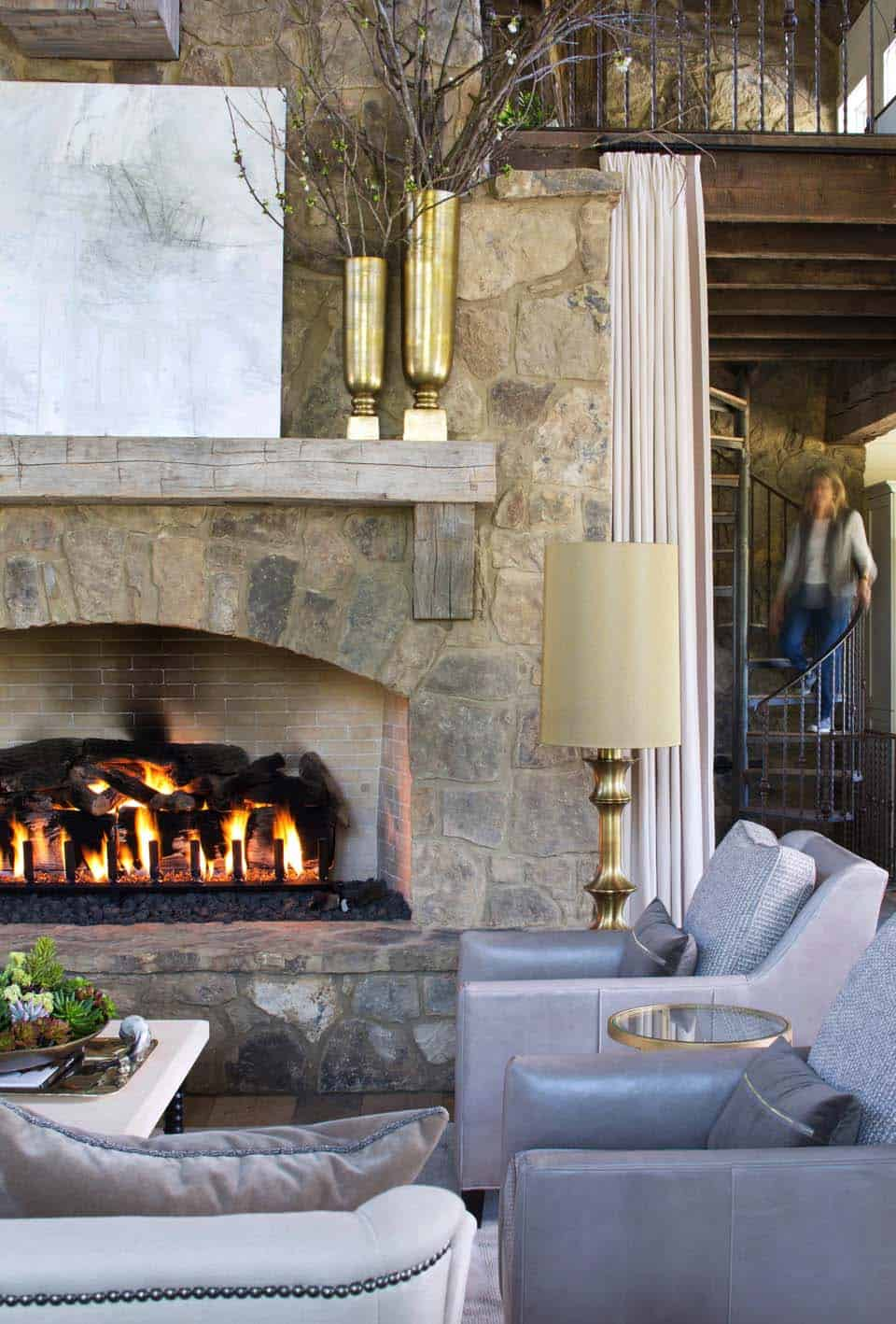 fireplace-farmhouse-living-room