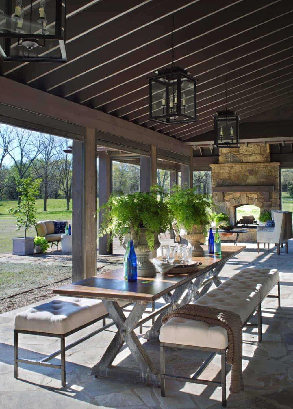 porch-farmhouse-patio