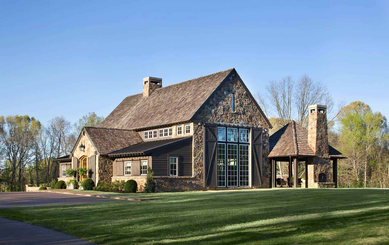party-barn-farmhouse-exterior