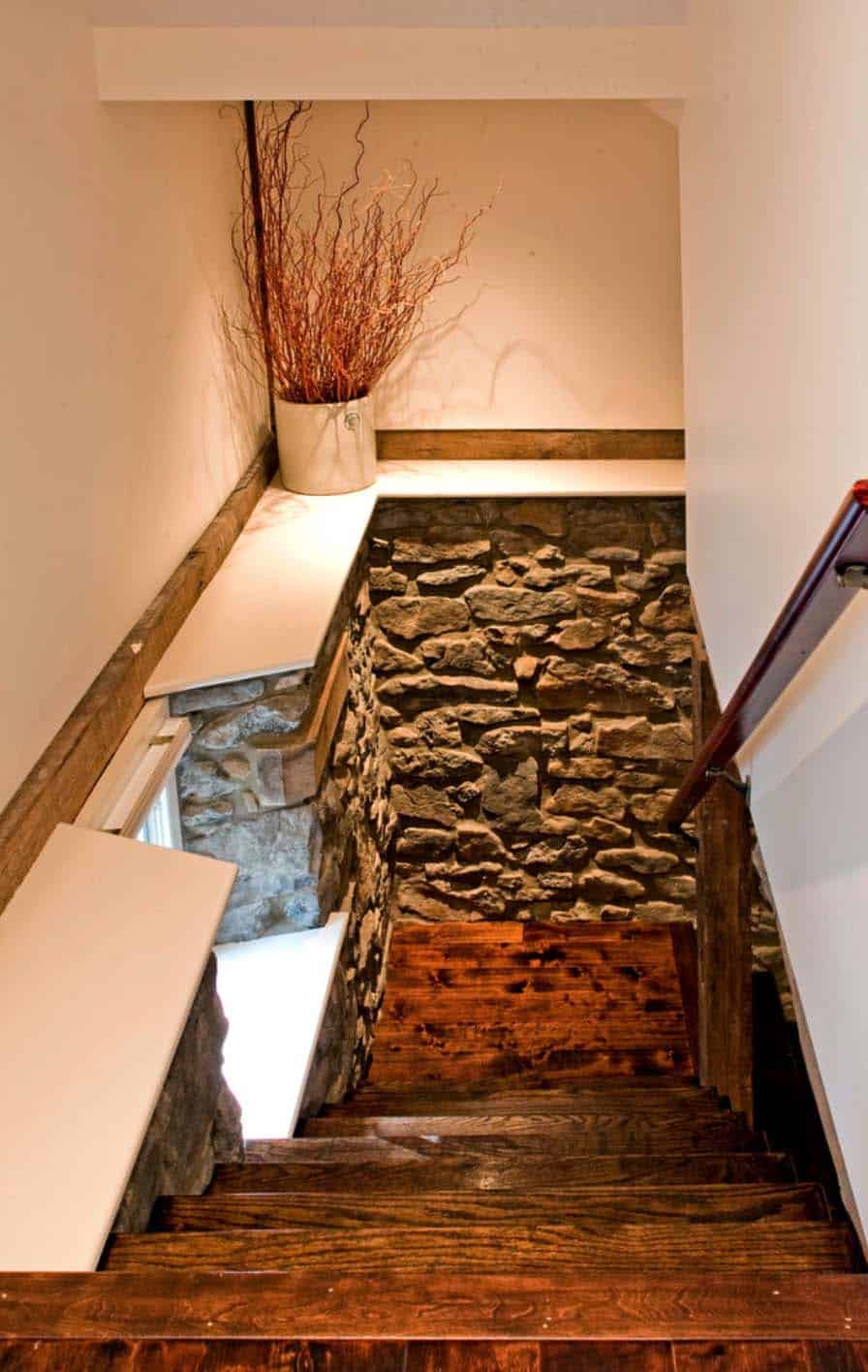 remodeled-barn-staircase-leading-to-the-lower-level