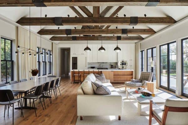 featured posts image for Beautiful modern barn style home in the seaside village of Amagansett