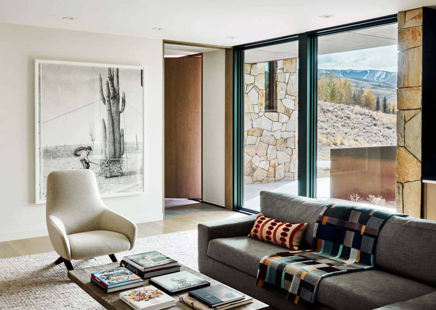 modern-mountain-home-family-room