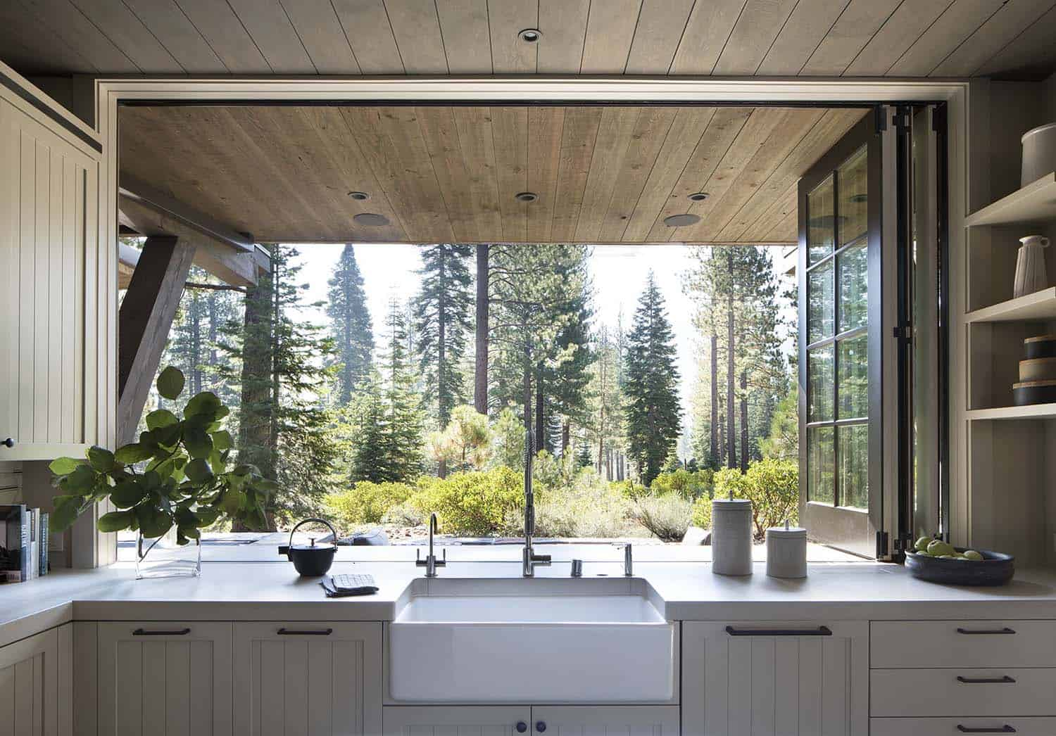 mountain-home-kitchen