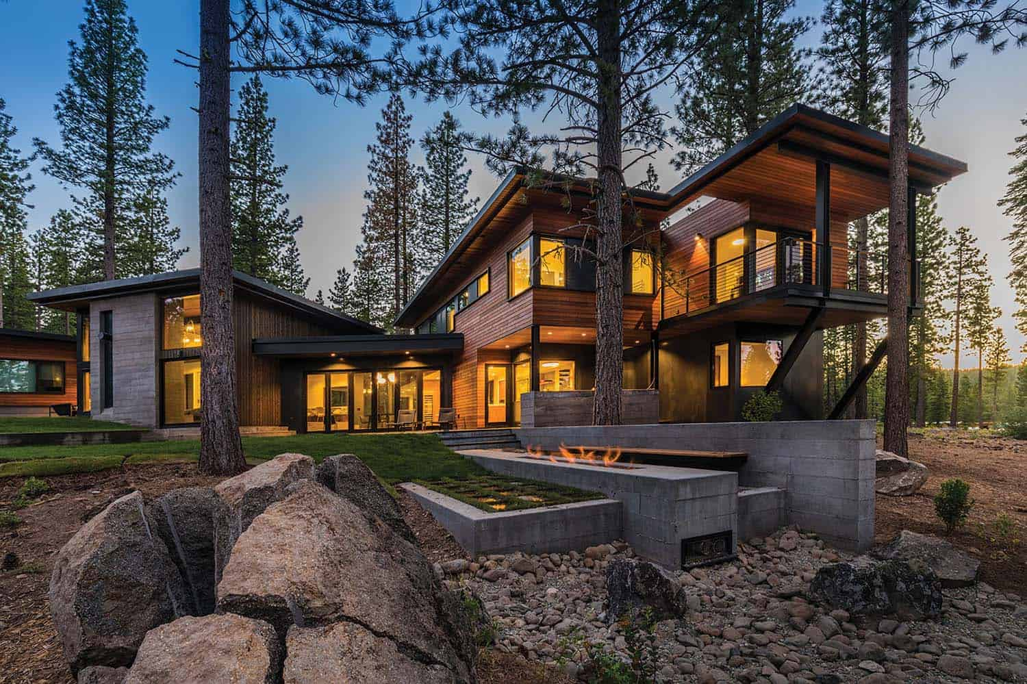 prefabricated-mountain-modern-home-exterior