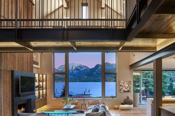 featured posts image for Relaxing waterfront getaway with rustic elements in the Rocky Mountains