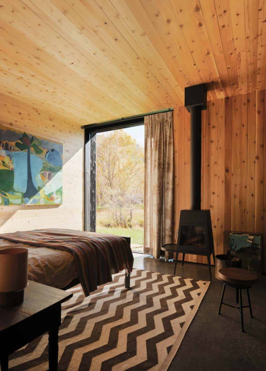 ranch-rustic-bedroom