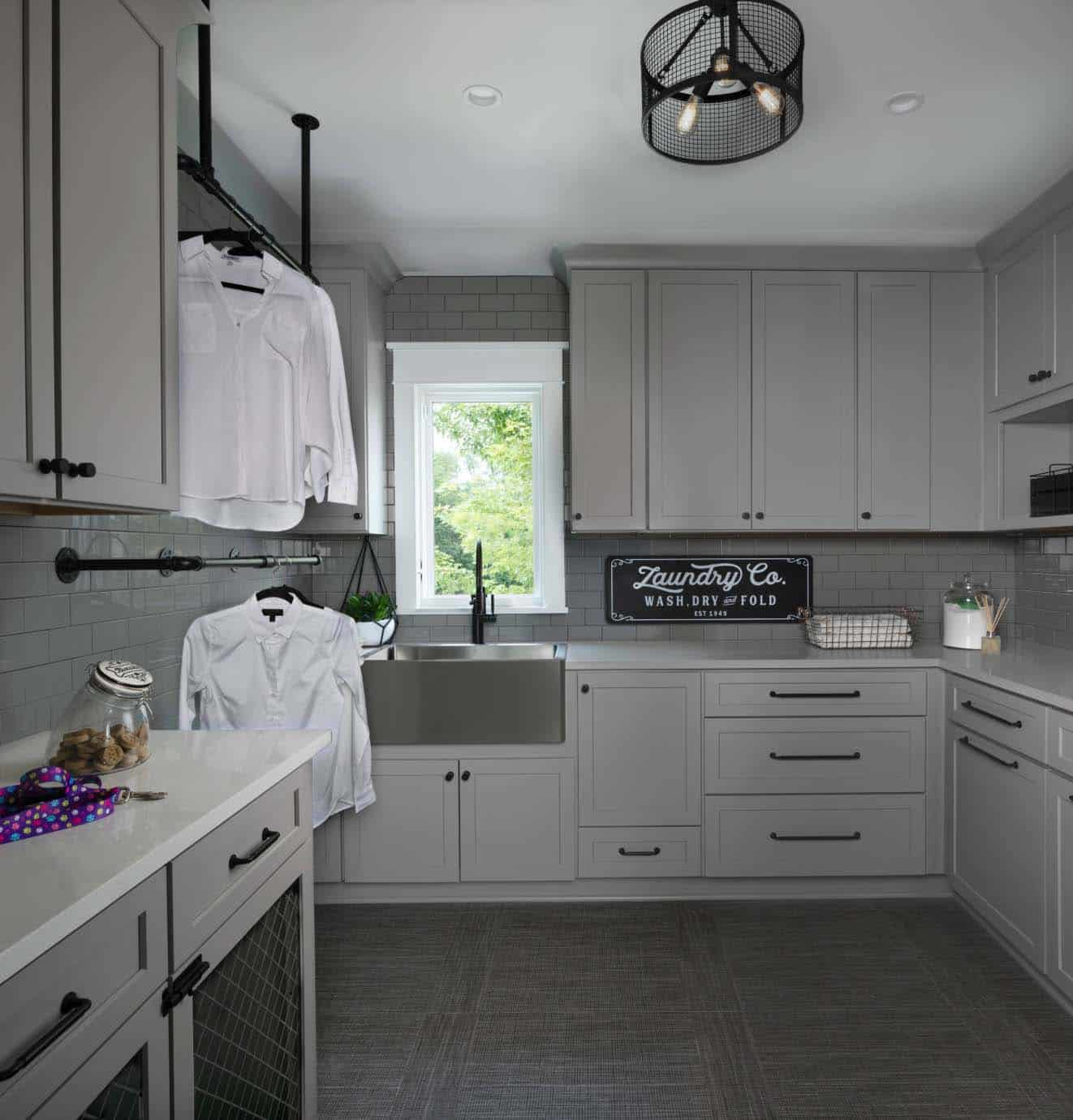 farmhouse-style-functional-laundry-room-design-ideas