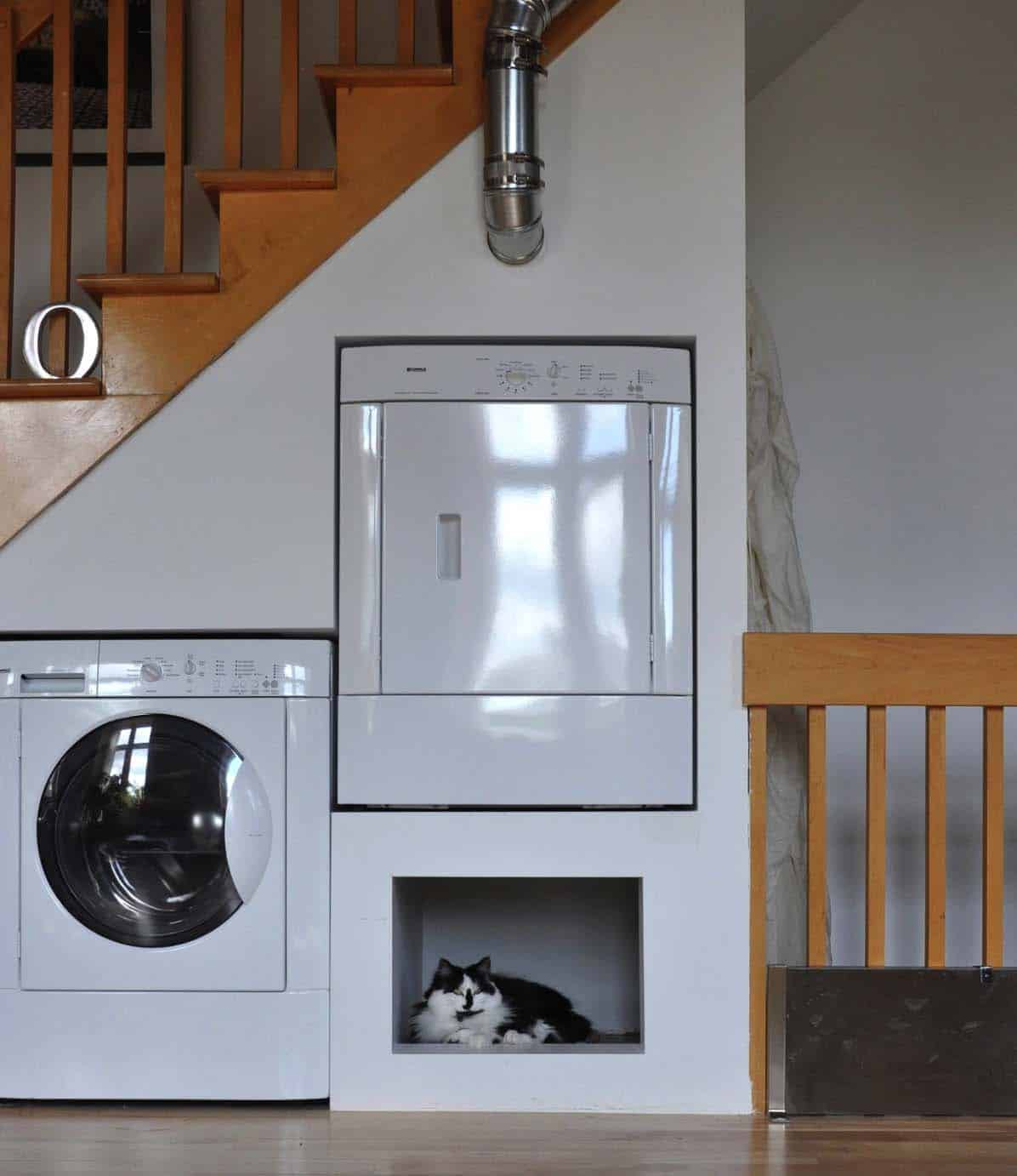 functional-laundry-room-design-under-staircase