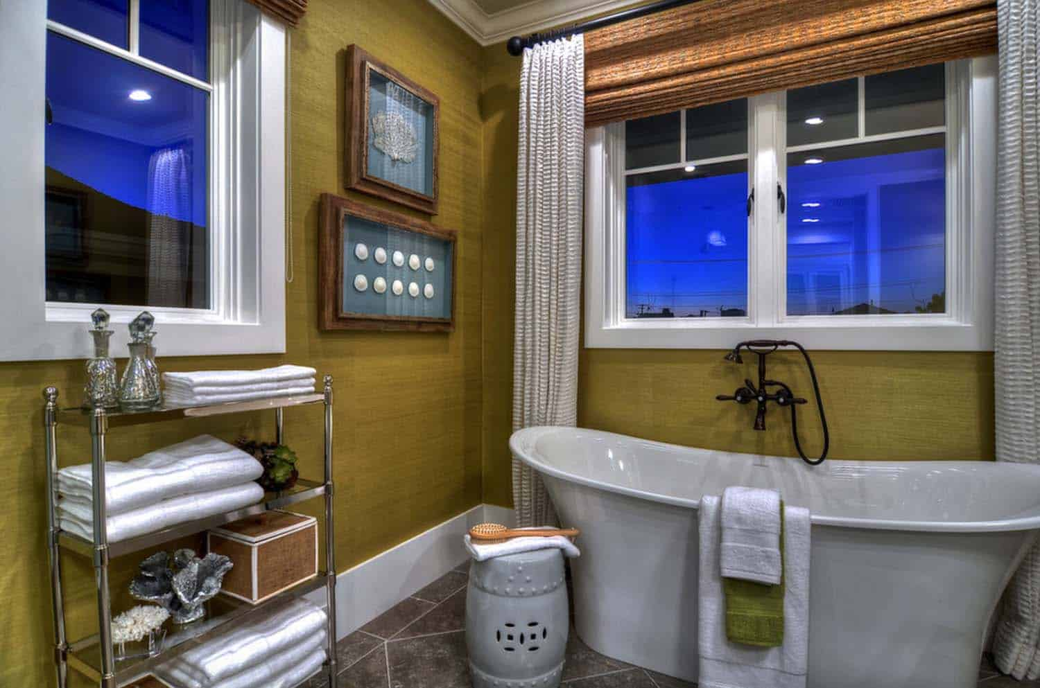 traditional-style-bathroom