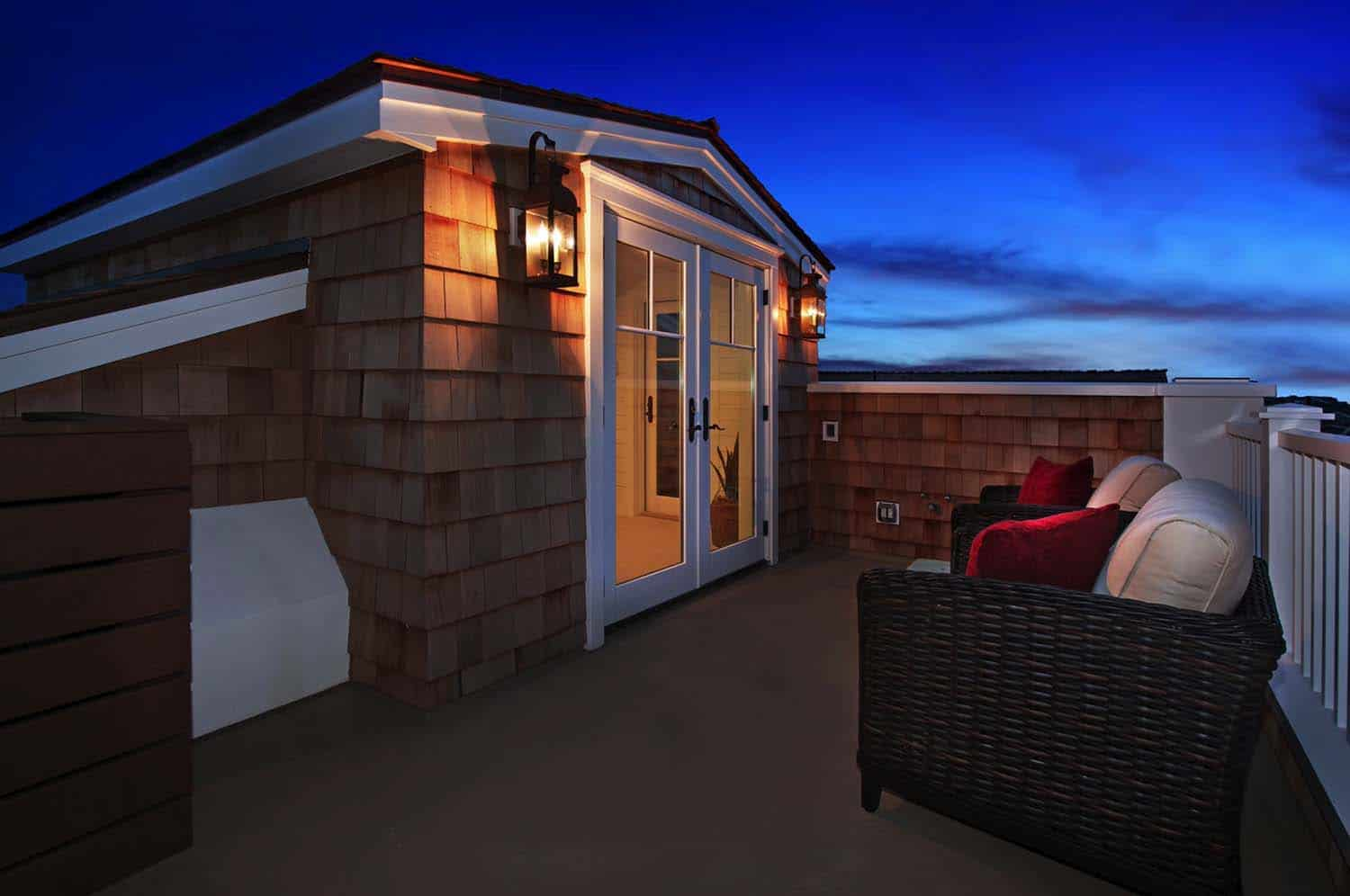 traditional-style-rooftop-deck