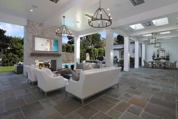 featured posts image for Luxury residence celebrates indoor-outdoor living in Newport Beach