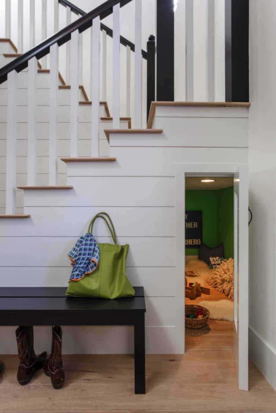 transitional-home-entry-staircase