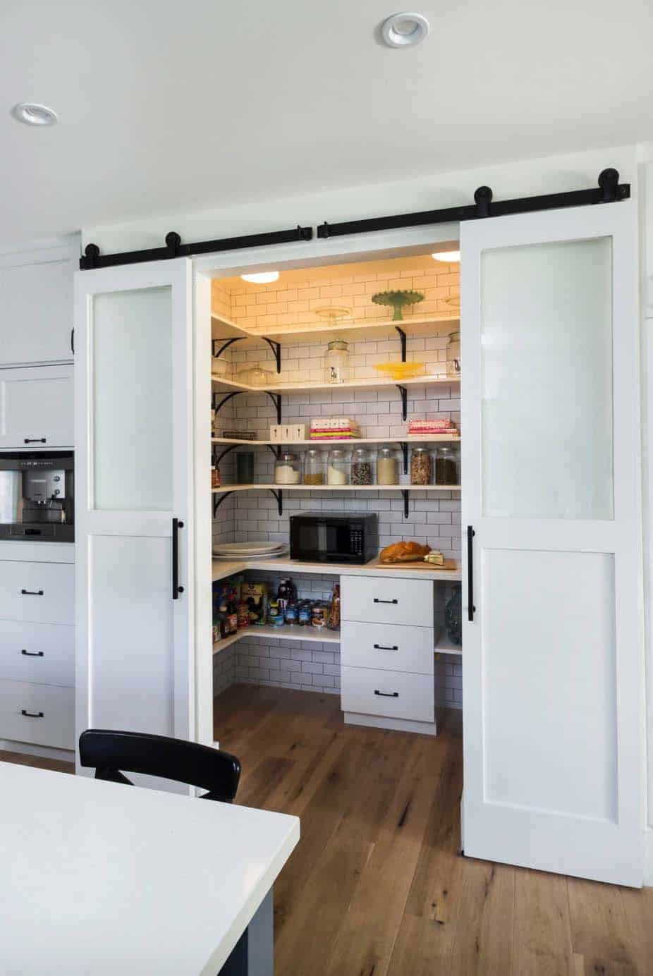 transitional-home-kitchen-pantry