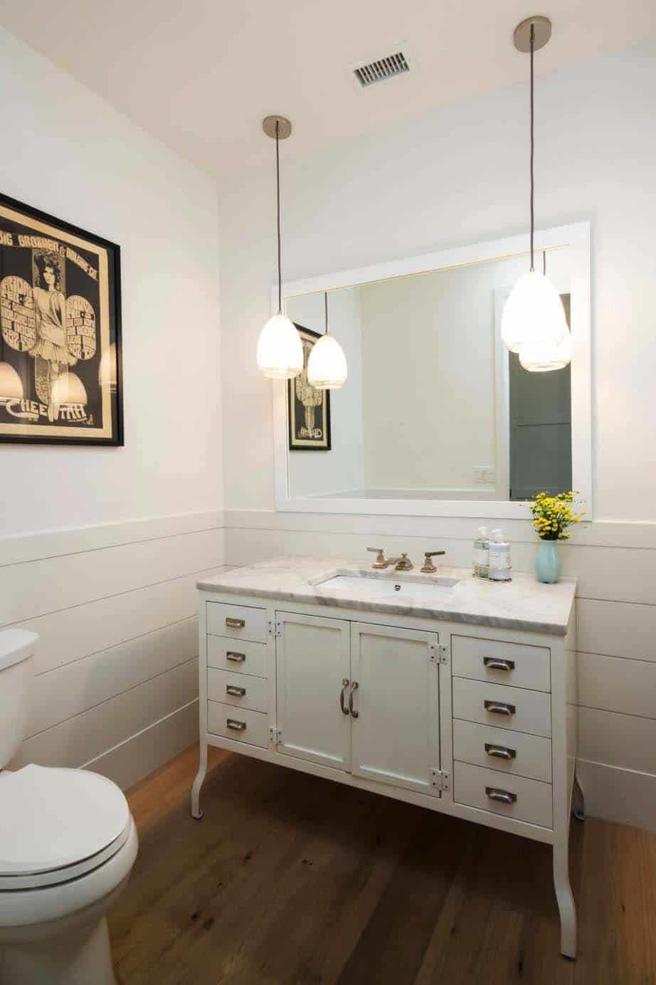 transitional-home-bathroom