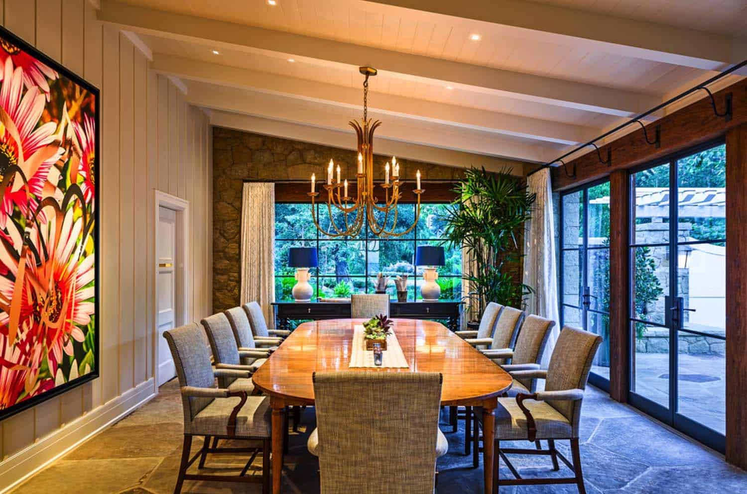 beach-style-residence-dining-room
