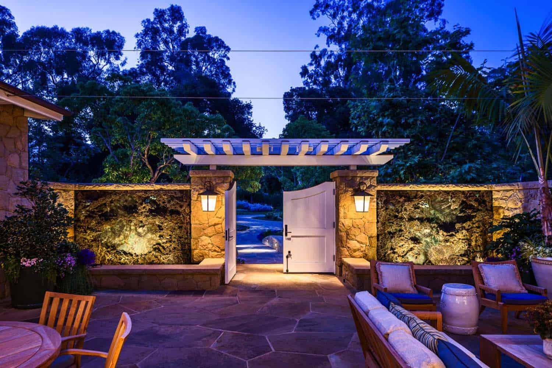 beach-style-seaside-retreat-patio