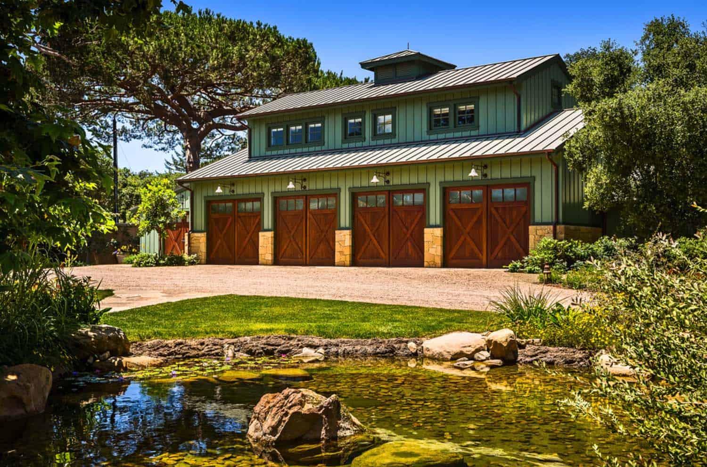 beach-style-seaside-retreat-garage