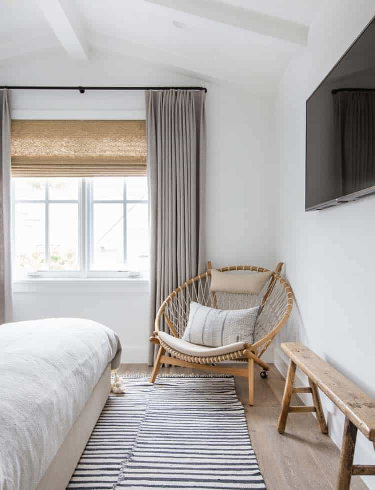 beach-style-bedroom