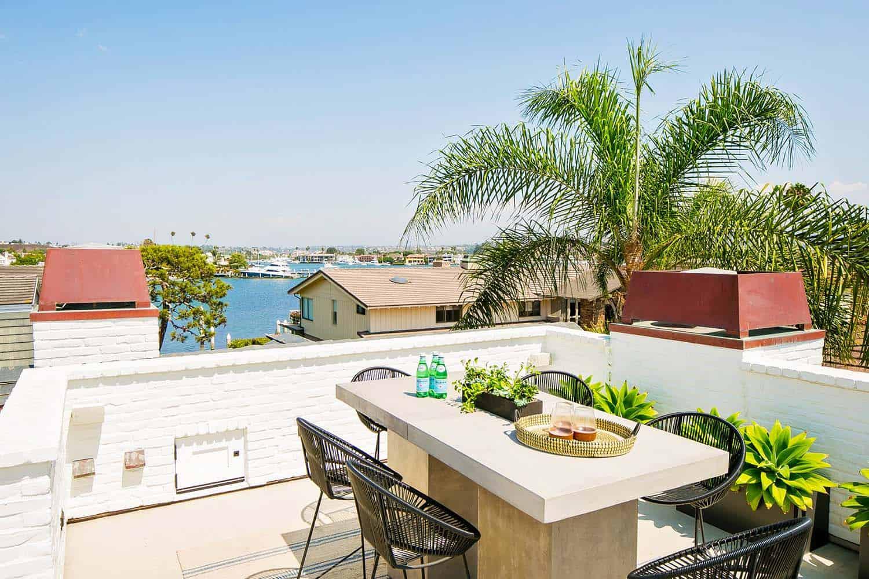 beach-style-outdoor-patio