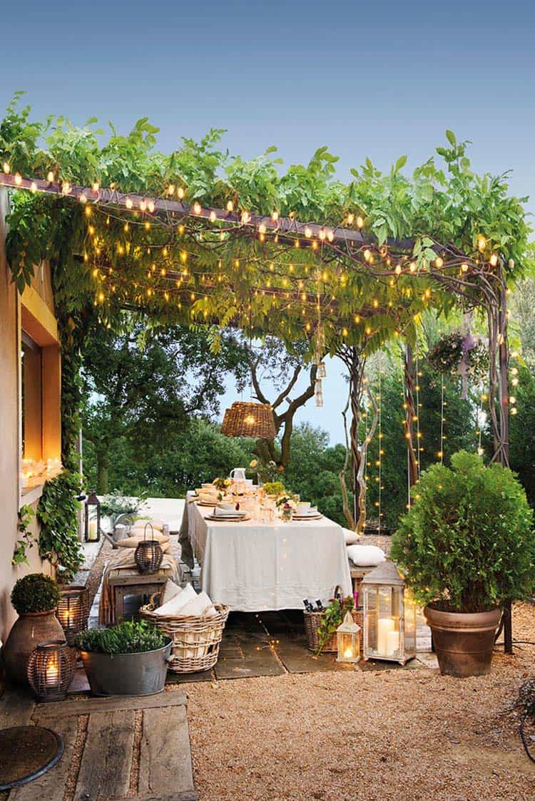 outdoor-pergola-dining