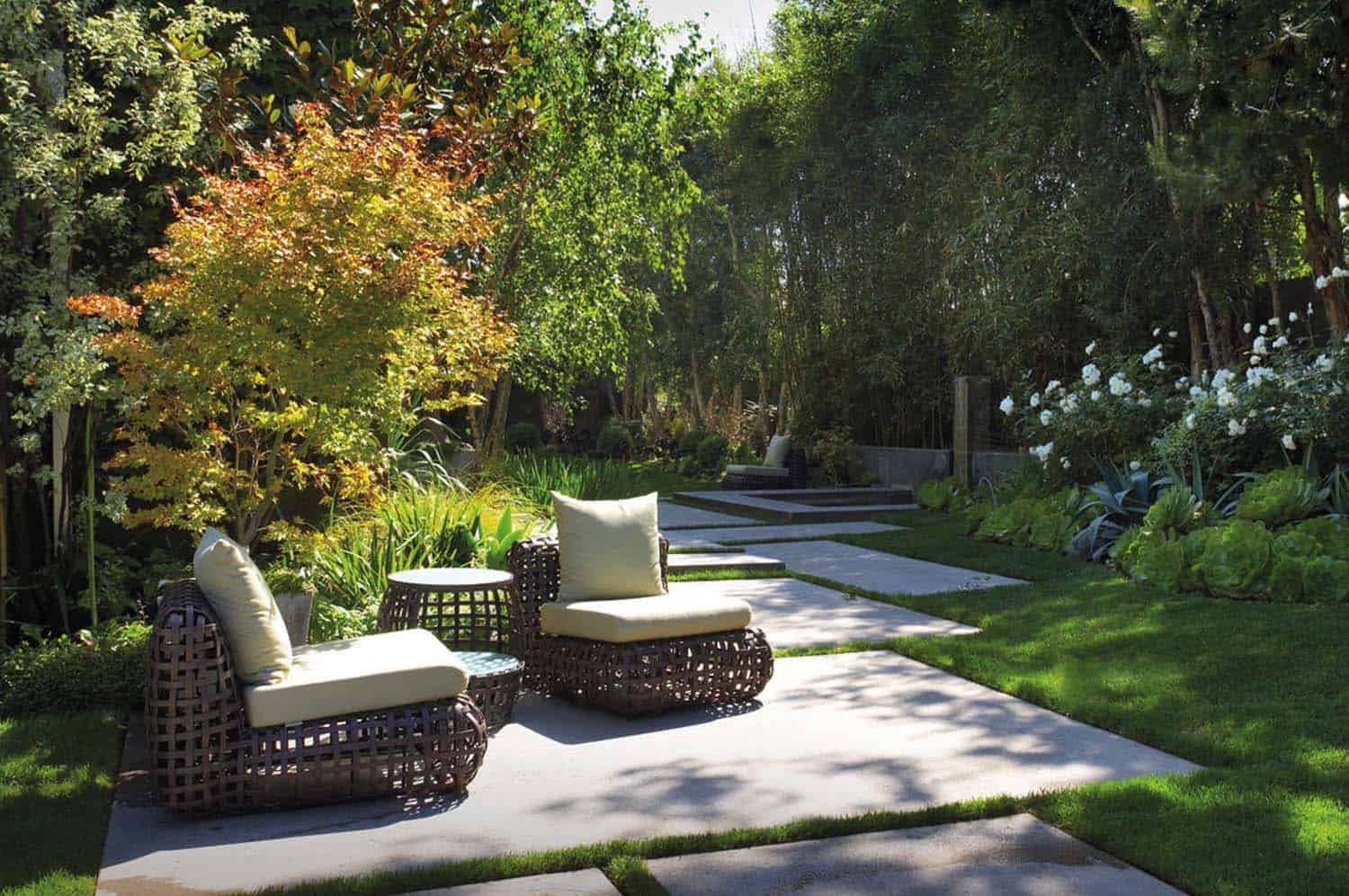 33 Fabulous Ideas For Creating Beautiful Outdoor Living Spaces on Beautiful Outdoor Living Spaces id=95063
