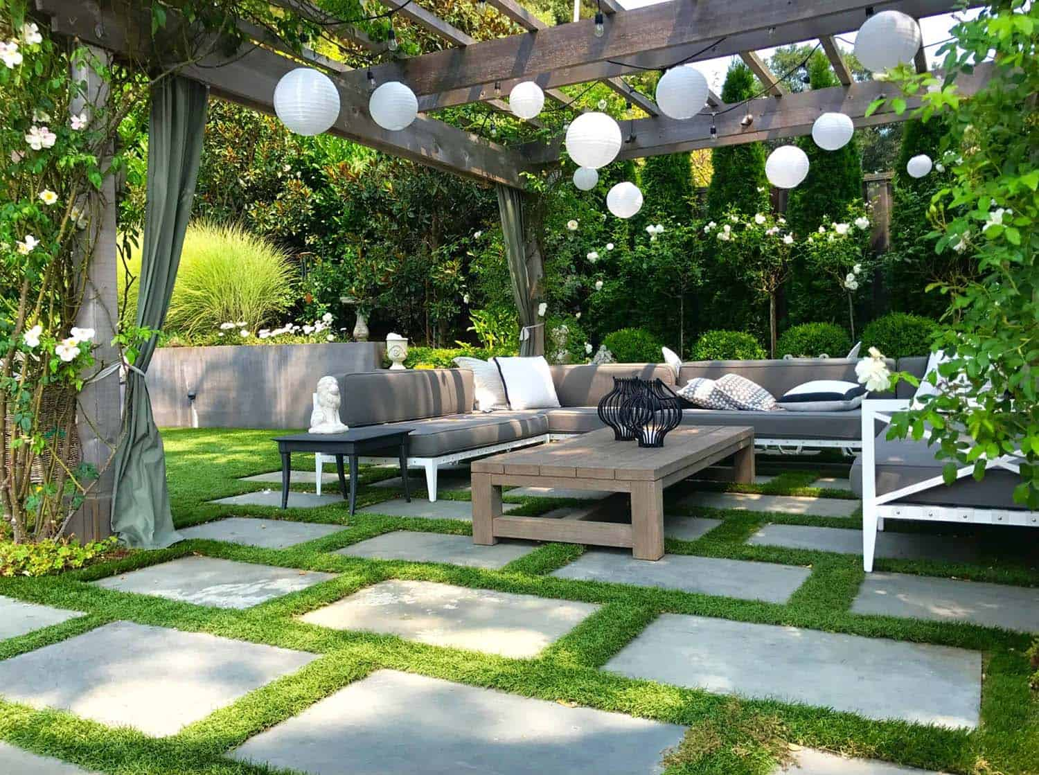 33 Fabulous Ideas For Creating Beautiful Outdoor Living Spaces on Backyard Outdoor Living Spaces id=96602