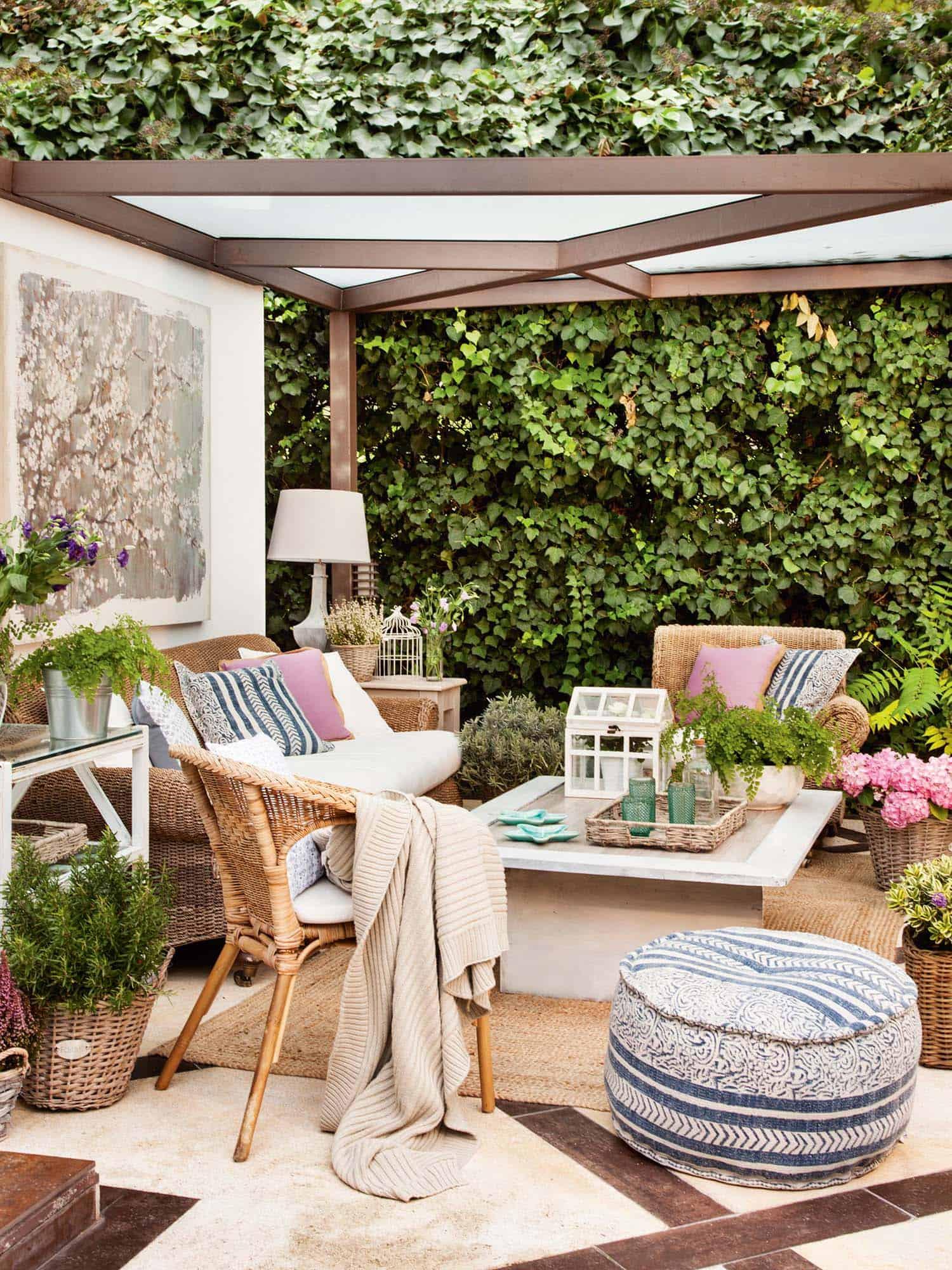 Outdoor Living Space Pergola
