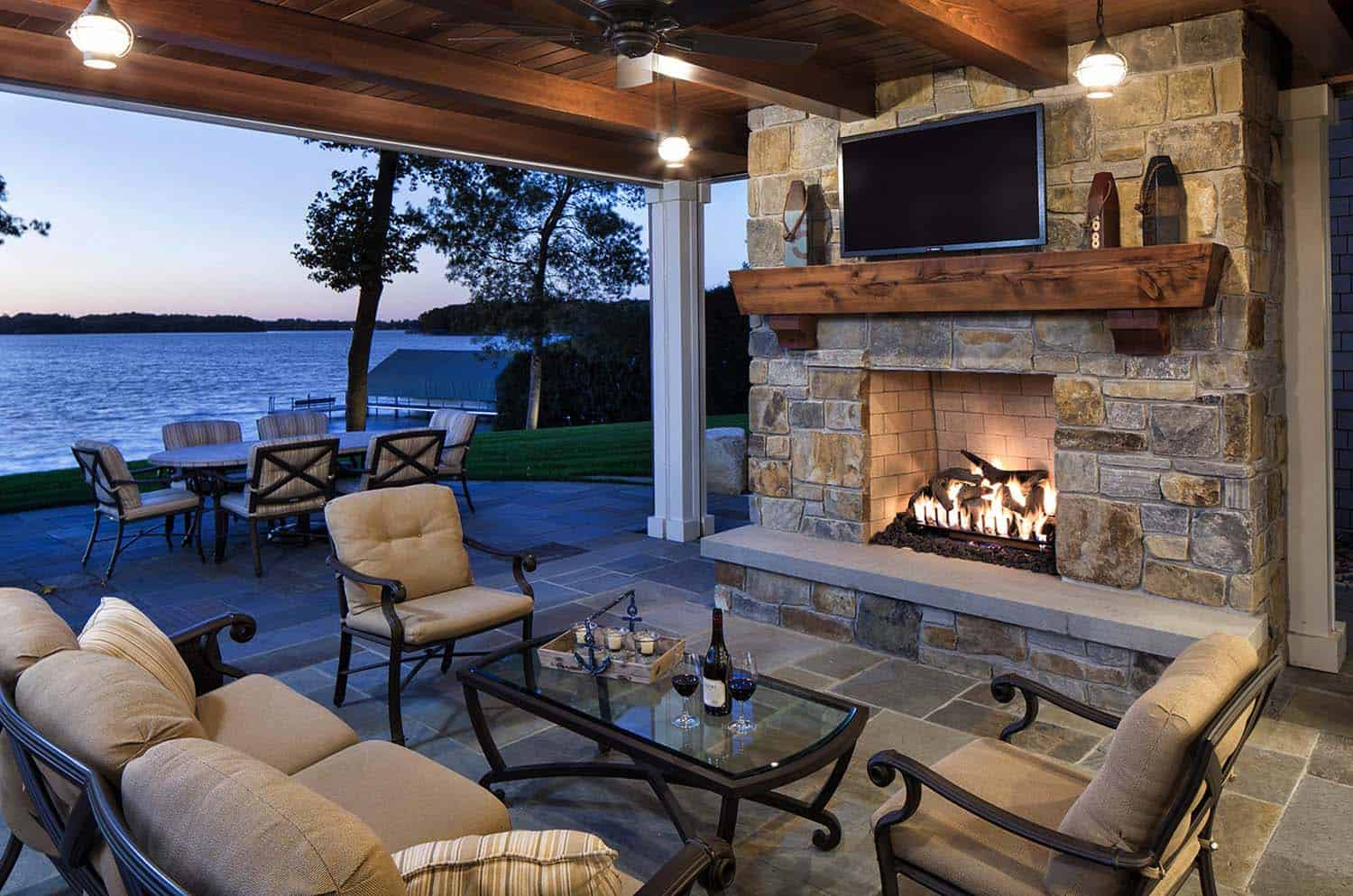 covered-outdoor-living-space-fireplace
