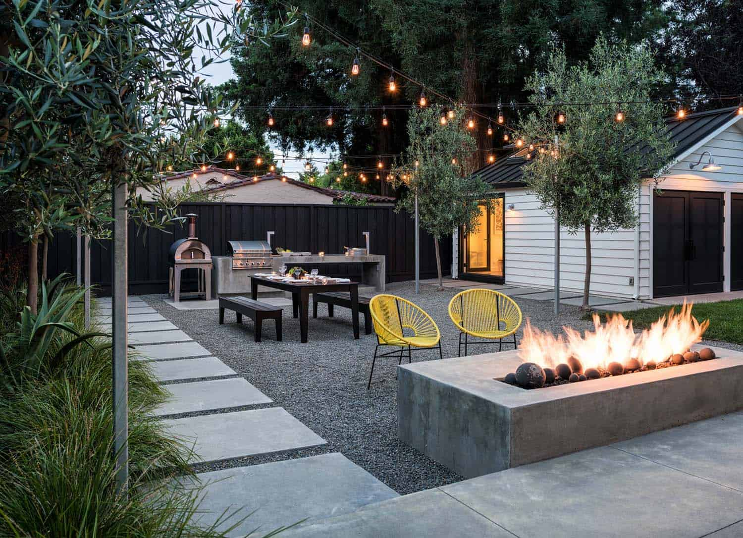 Wondrous 33 Fabulous Ideas For Creating Beautiful Outdoor Living Spaces Home Remodeling Inspirations Genioncuboardxyz