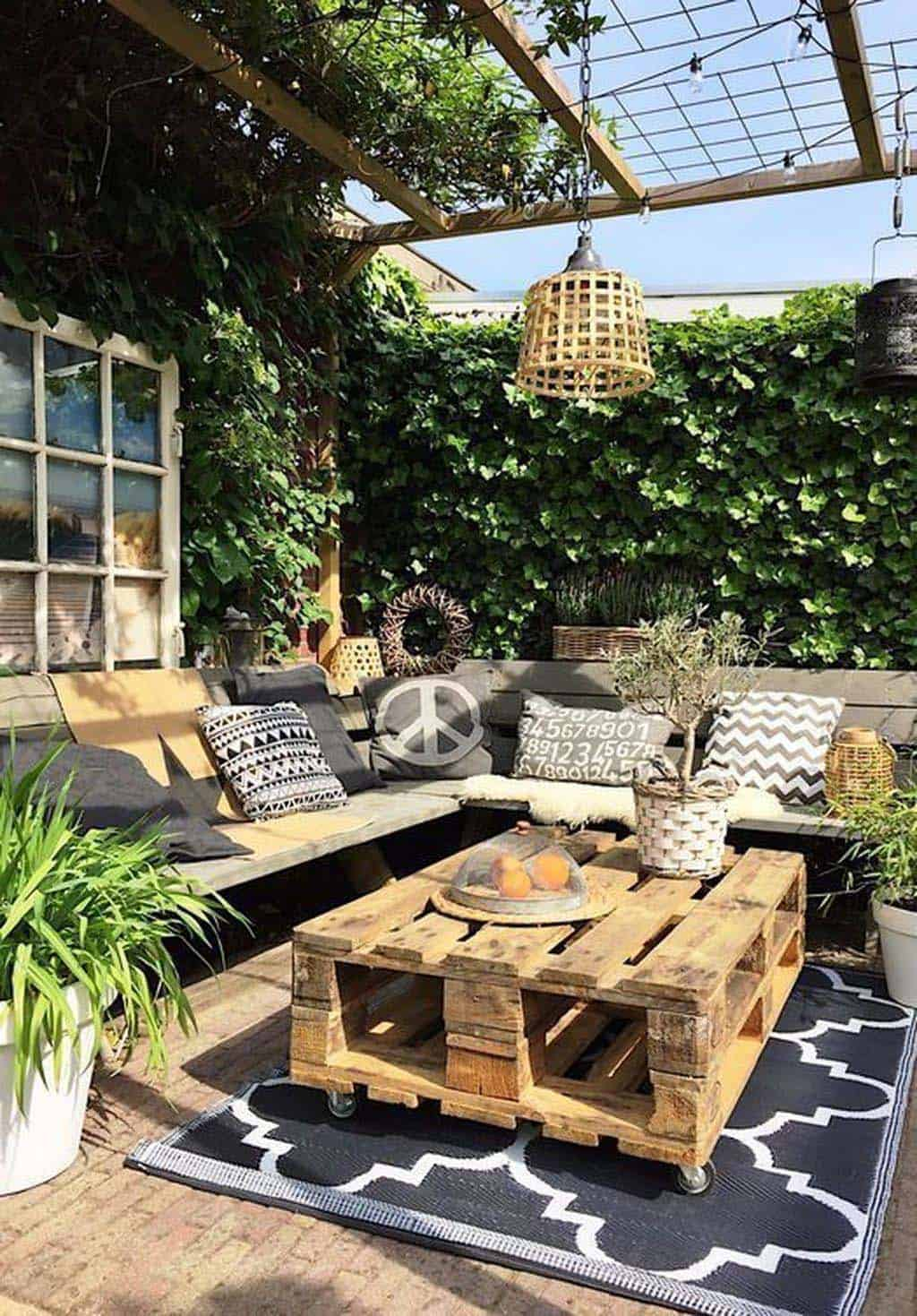 33 Fabulous Ideas For Creating Beautiful Outdoor Living Spaces on Beautiful Outdoor Living Spaces id=14464