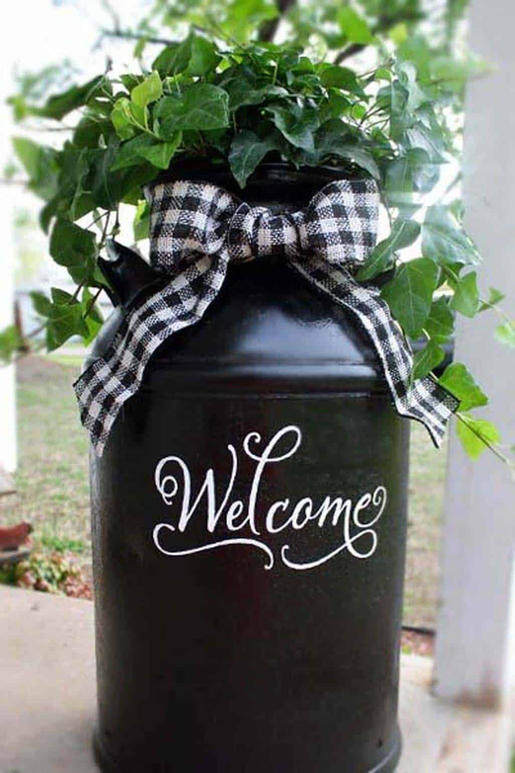 porch-decorating-welcome-flower-pot