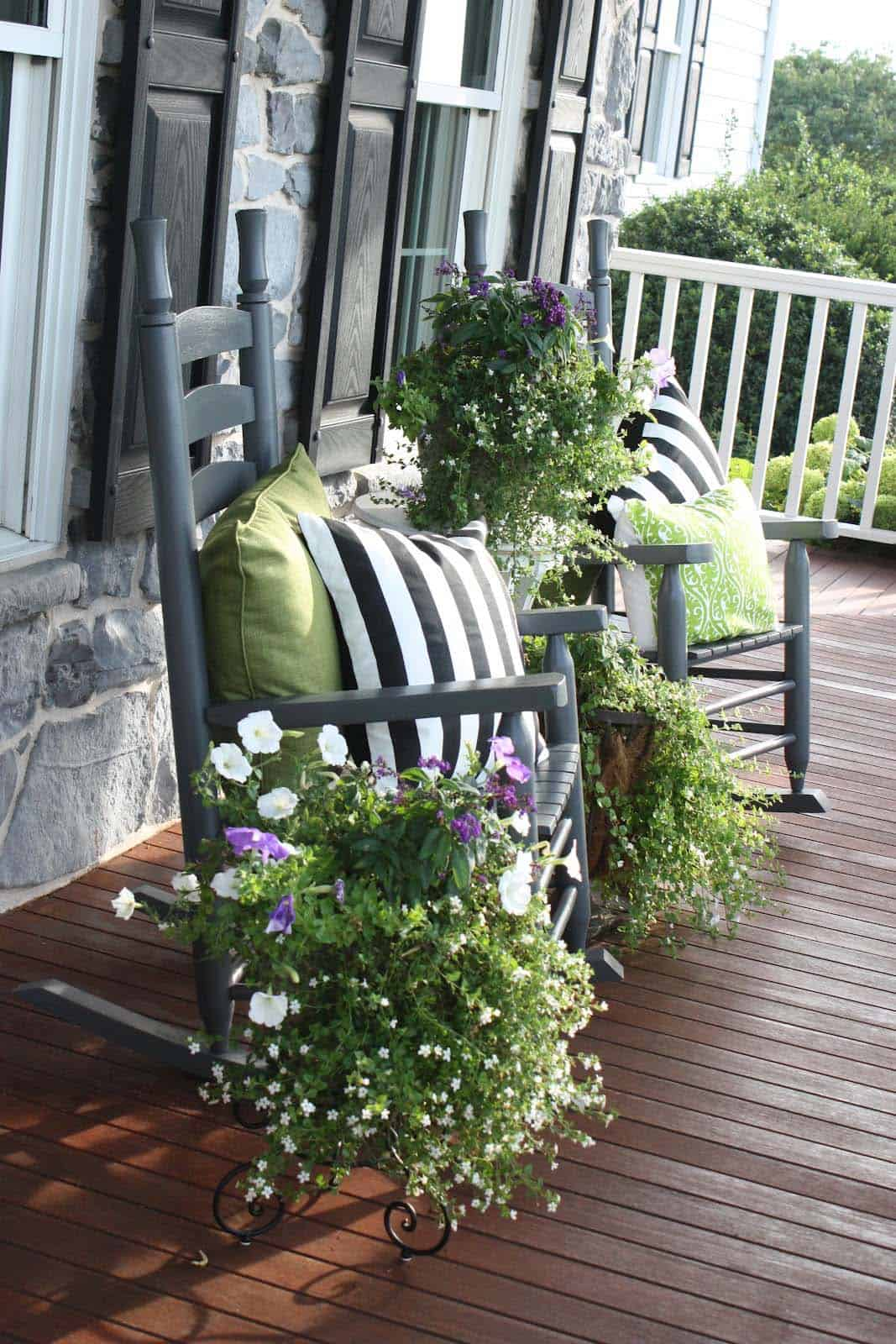 front-porch-decorating-flowers