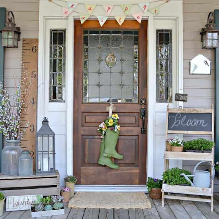 garden-boot-wreath-porch-decorating