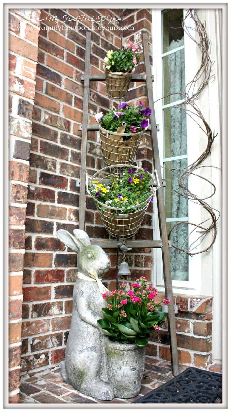 farmhouse-front-porch-decorating