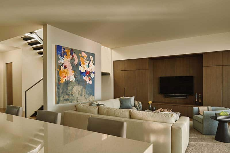 contemporary-family-room