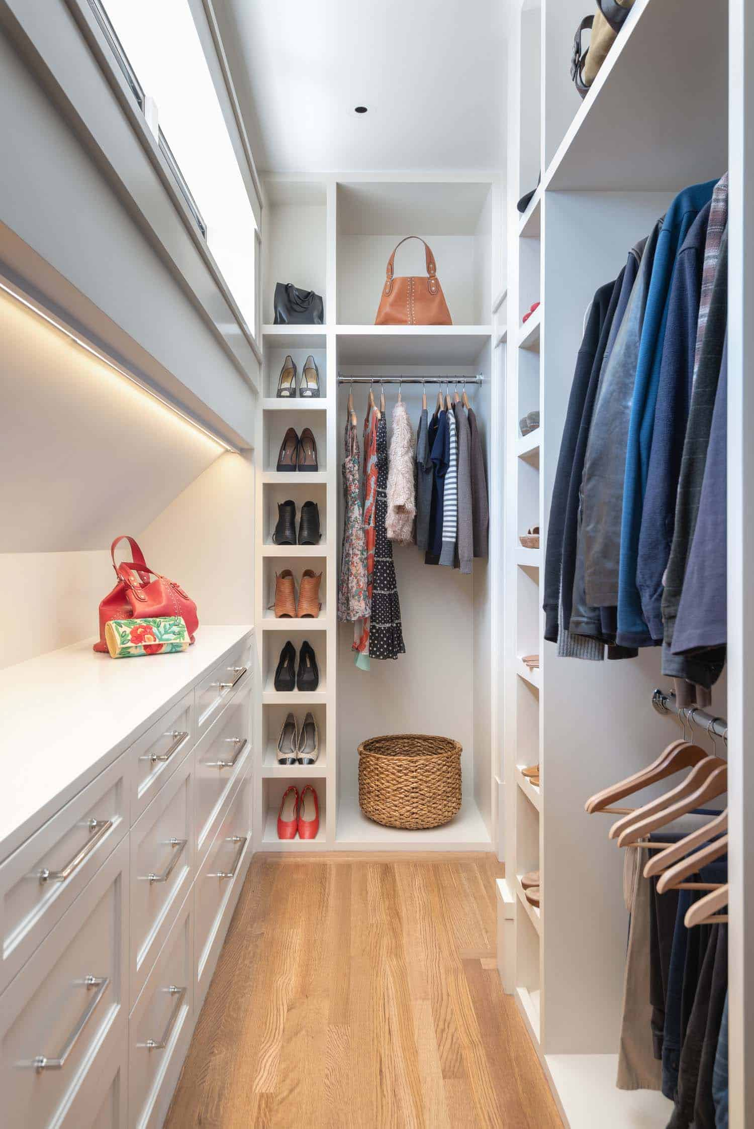 transitional-closet