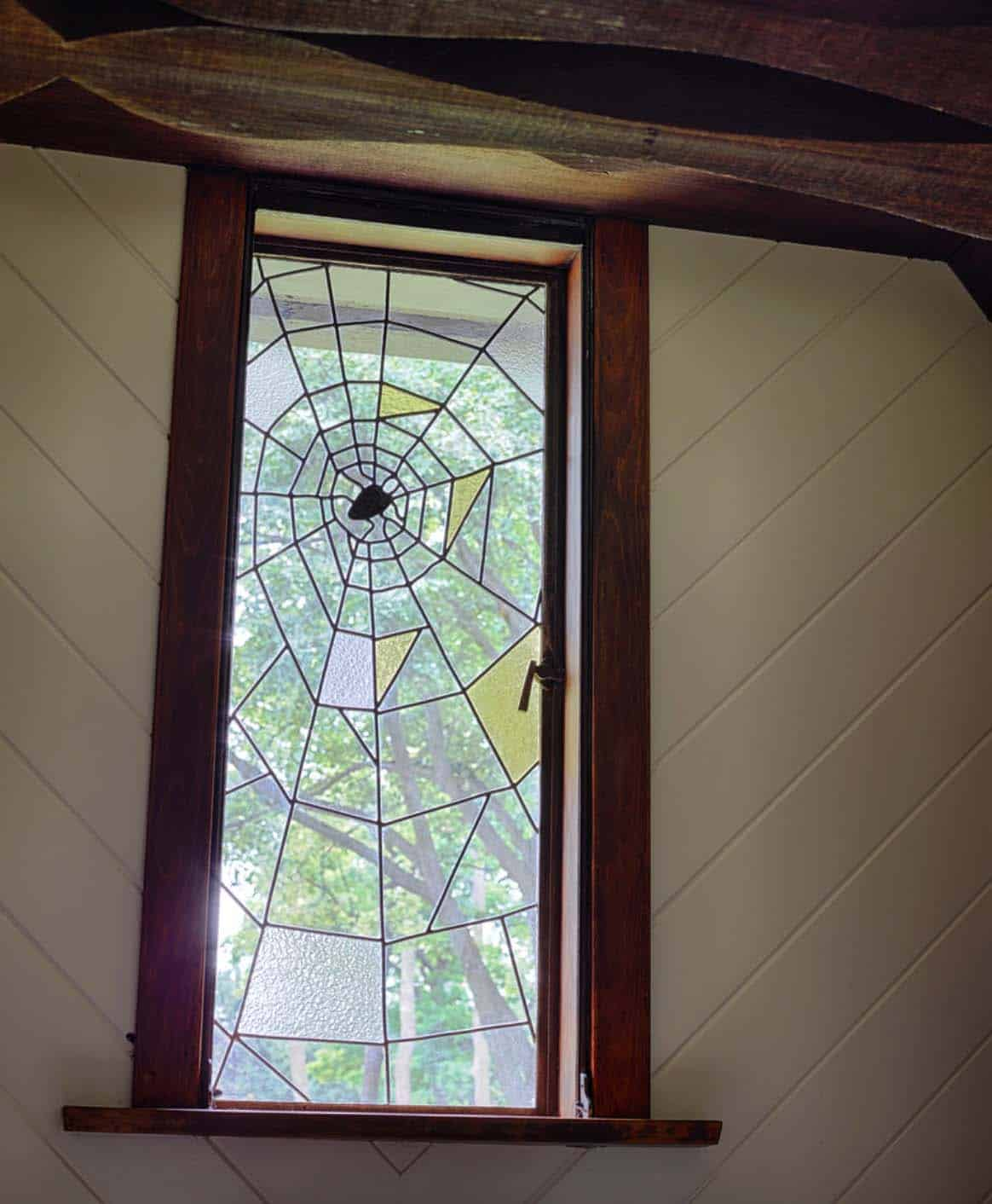 english-cotswold-home-interior-window