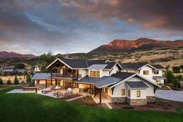featured posts image for Gorgeous farmhouse style home overlooking the Wasatch Mountains
