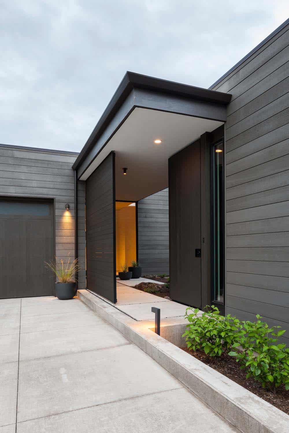 high-desert-modern-entry
