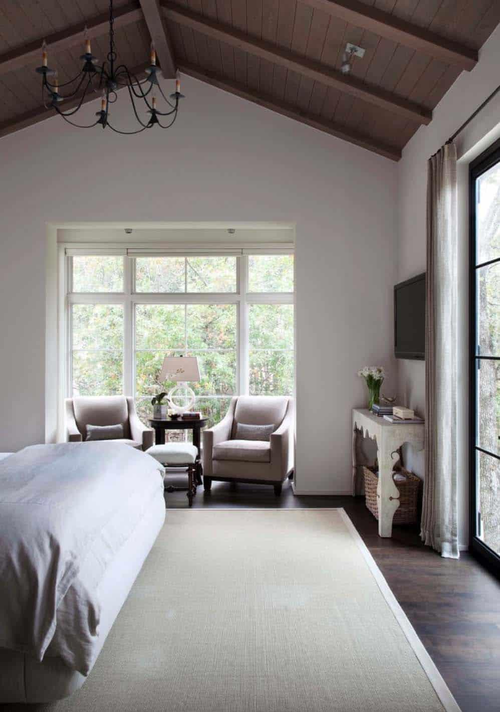mediterranean-home-bedroom