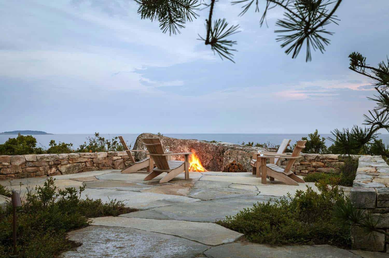 modernized-farmhouse-coastal-retreat-deck