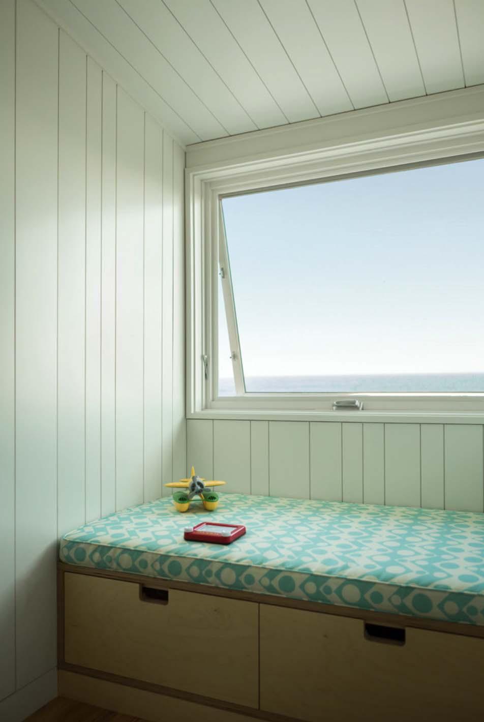 modernized-farmhouse-coastal-retreat-kids-bedroom