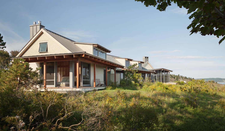 modernized-farmhouse-coastal-retreat-exterior