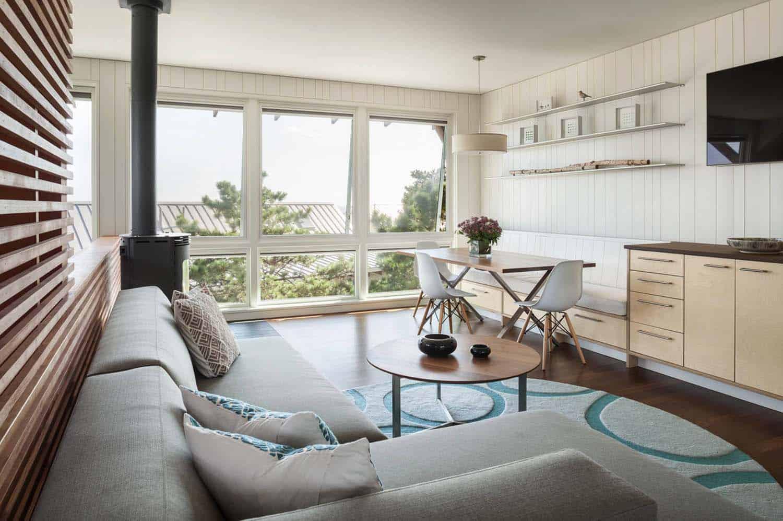 modernized-farmhouse-coastal-retreat-guest-quarters