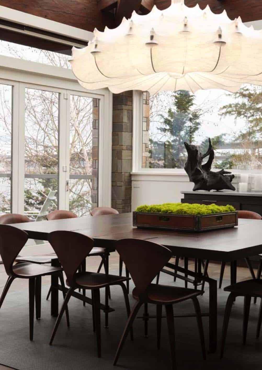 Modern Home On Lake Washington Unveils An Inspiring