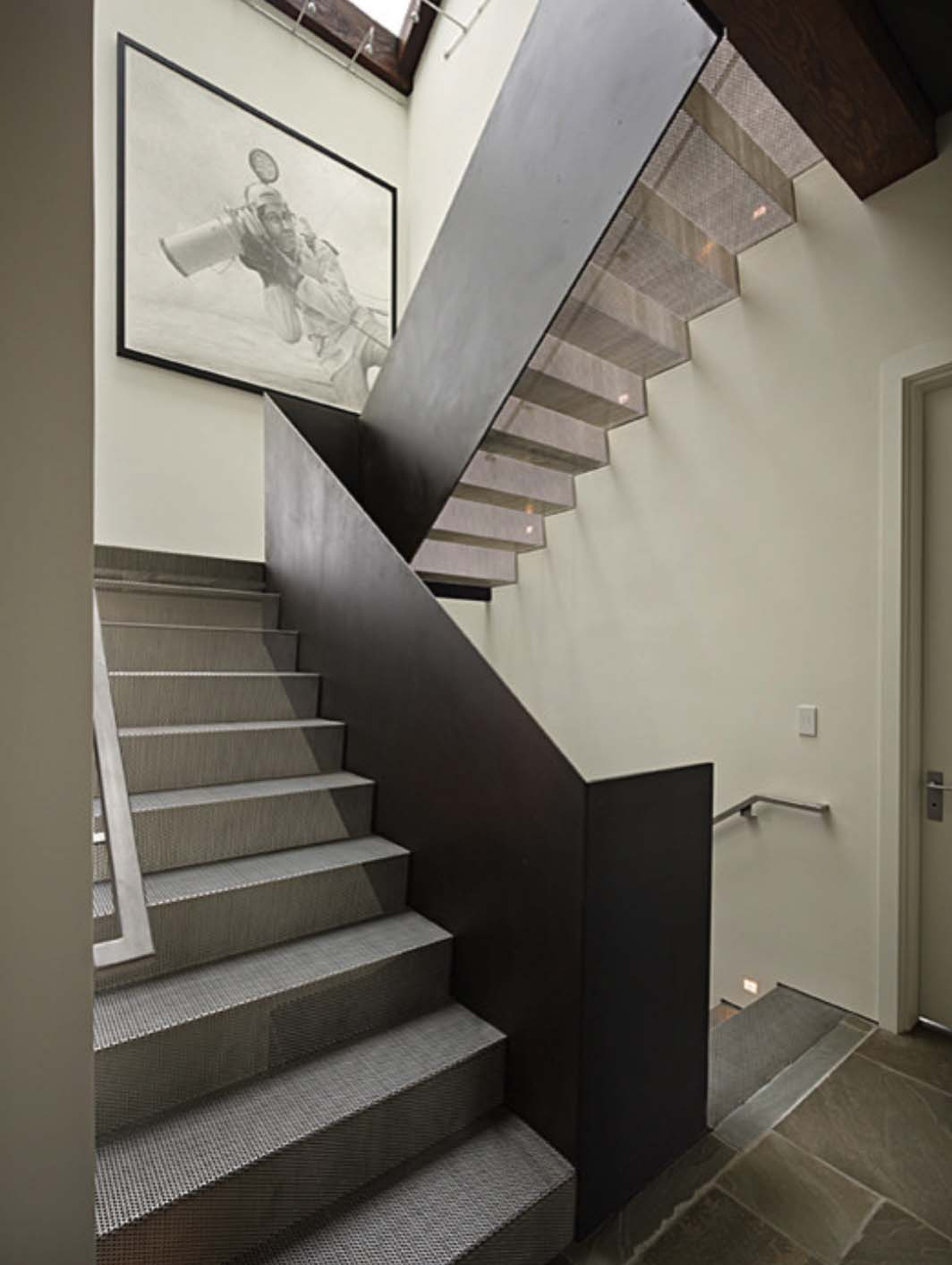 modern-house-staircase