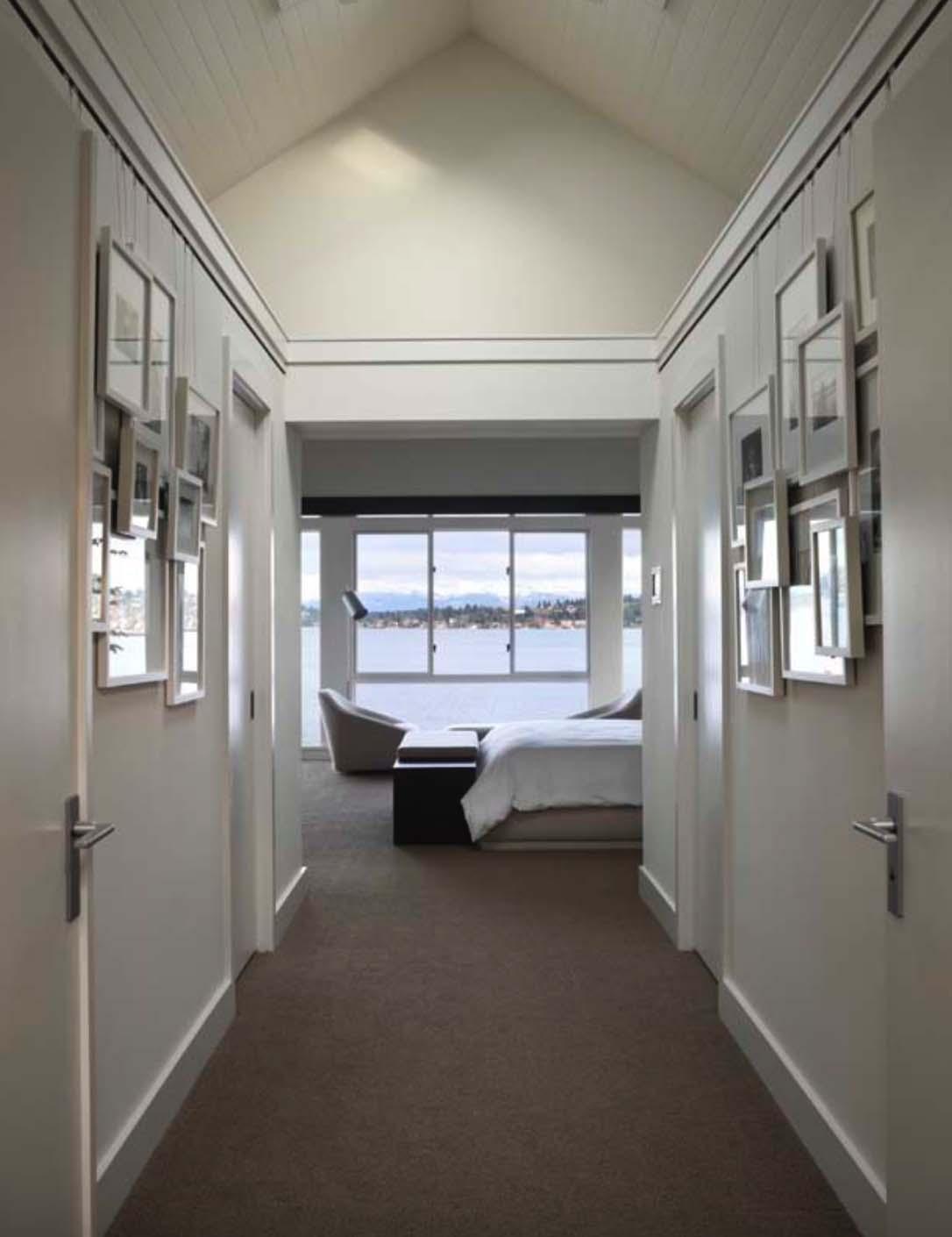 modern-house-master-bedroom