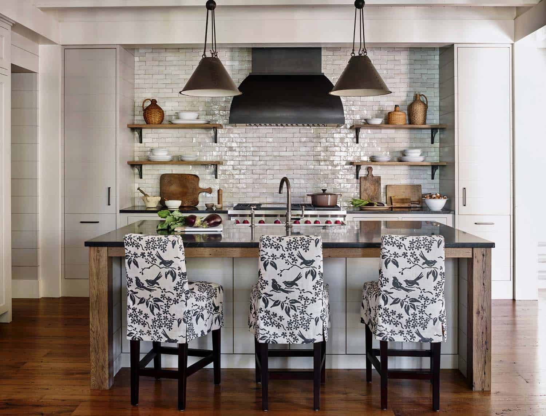 rustic-lake-house-kitchen